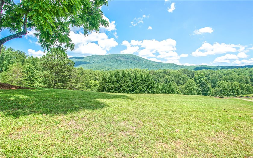 Additional photo for property listing at 352 Northwind Lane 352 Northwind Lane Ellijay, Geórgia,30540 Estados Unidos